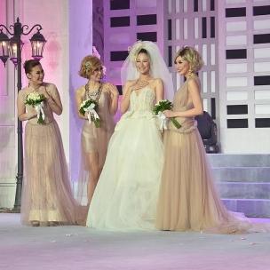"Ikapesta wedding expo 2017  AVE | VENTLEE | CINOBI present "" sex and the city"" fashion and bridal show ""ALL DRESSED IN LOVE"" IKAPESTA 2017 date : Friday / Feb/10-2017 MERAPI GRAND BALLROOM NPCC SEMARANG . .  MC: @marcell_adit  Guest Star: @johanyanuar  @holly_feriston  @indiraiin  @0105iph  @desilanovia @clarissavalencia_  @niaastria @cyndytabita @shabiramaharani  @sefania@yuvinadj @aidaidut@vynalee @vickyy_ibrahim@ricky @janustankovic @eric_longhurst  Support by Decor : @galaxy_decoration Sound system: @agung_platinum  Photo : @friendsphotovideo Lighting : @master.lighting Video : @marblevideo LED Wall : marble  Organizer by @topeng_eo  #ikapestaexpo #ikapestaexpo #ikapestafoodfestival #ikapesta #iloveikapesta #semarangexpo #ikapestalebihbaik #jateng #vendorikapesta #semarang #love #vendorweddingsemarang #ikapesta2017 #sukses #ikapestafoodfestival"