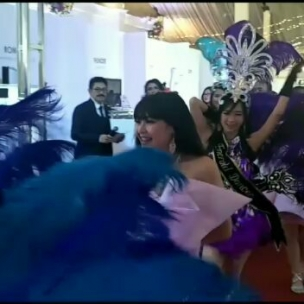 Hari pertama , Kemeriahan opening ikapesta marketplace 2018  Ikapesta Marketplace 2018 2-4 November 2018  PRPP Semarang. .  Open gate  Jumat : 14.00- 21.00 Sabtu Minggu : 10.00-21.00 Gratis  Pameran wedding terbesar dan terlengkap di Jawa tengah dan DIY.  150+ vendor wedding  10 konsep dekor terbaru dan terbaik . . . Organized by : @berlianeventorganizer_beo#ikapestamarketplace#ikapestamilliondreams#ikapesta2018#semarang#weddingexpo